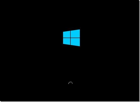 Логотип Windows 10 перед появлением Boot Menu