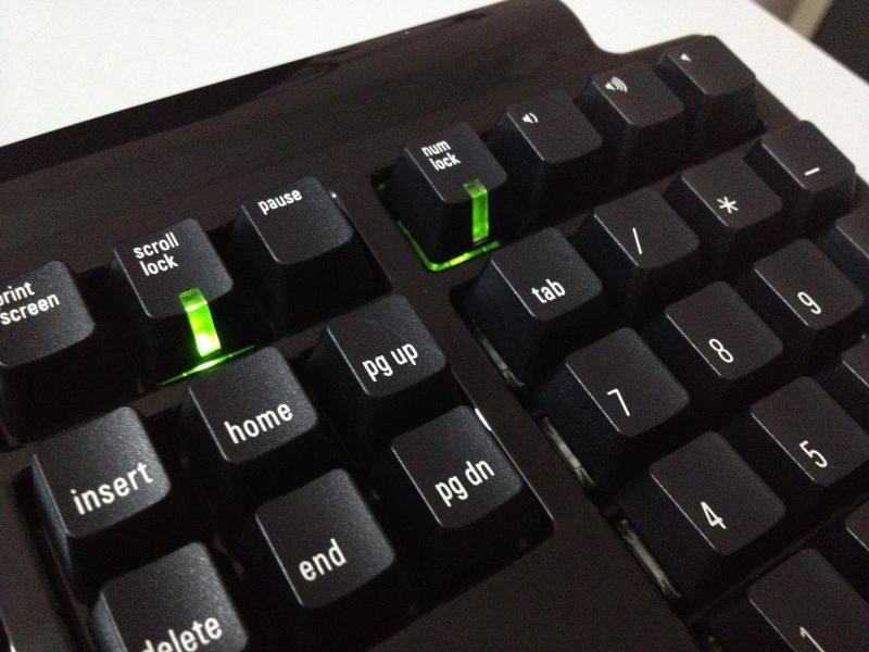 Как настроить автоматическое включение NumLock при включении Windows 10